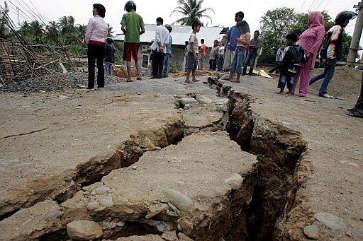 Resultado de imagem para TERREMOTO indonésia