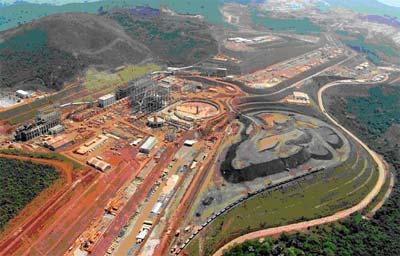 Imagem aérea de área de extração mineral
