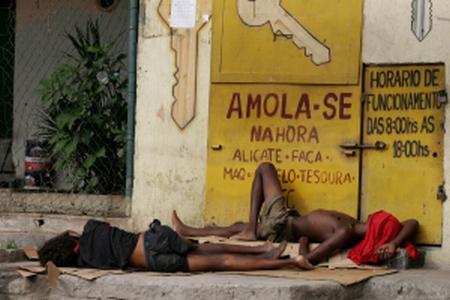 031211_pobreza_jovens