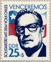 040914 selo Salvador Allende