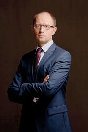 320px Arseniy Yatsenyuk