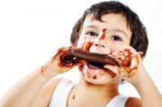 crianca-chocolate-arquivo