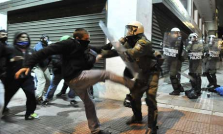 grecia autodefesa crise policiais