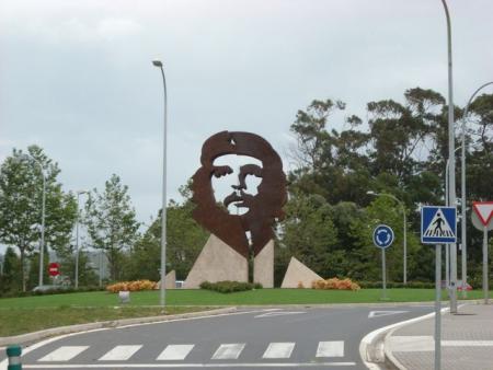 Foto - Estatua do Che Guevara em Oleiros